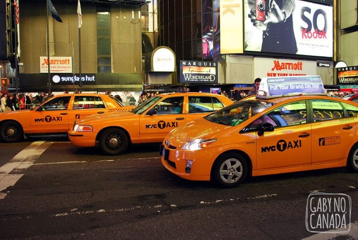 Yellow Cabs na Times Square