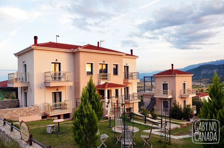 Gabynocanada_meteora_hotel