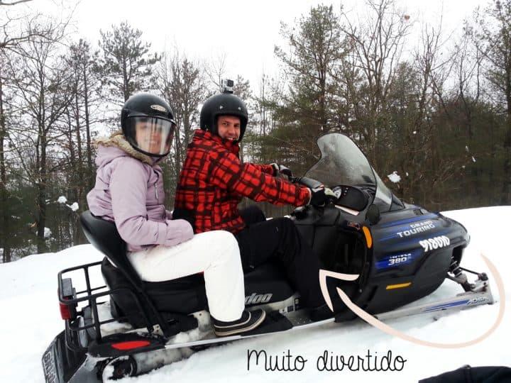 Snowmobile_gabynocanada