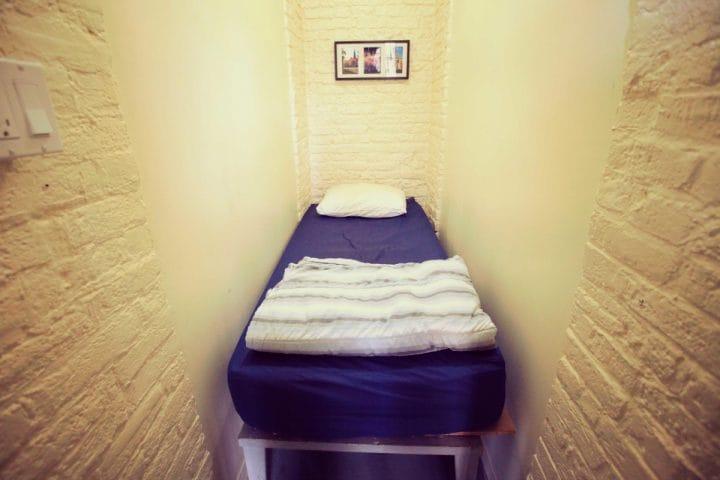 HI-Ottawa-Jail-Hostel-auberge-authentic-cell